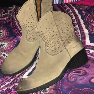Booties!! Light brown w gold sparkles